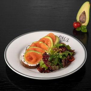 Тартин с авокадо и лососем