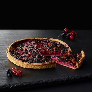 Пирог с красными ягодами